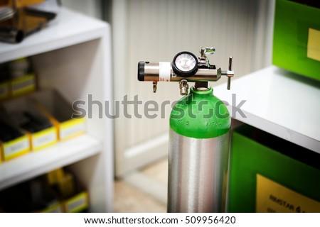 oxygen cylinder regulator instructions